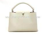Túi Louis Vuitton Capucines MM màu trắng