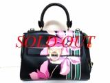 Túi xách Ferragamo màu đen hoa hồng