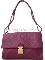 Túi đeo vai Louis Vuitton màu đỏ M94226