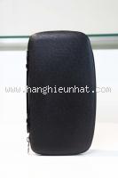 MS112020 Cầm tay Louis Vuitton taiga gập đôi