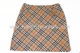 MS84 Chân váy Burberry kẻ check kem vàng size 38